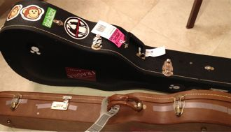 guitar packing for airline travel how to protect your guitar. Black Bedroom Furniture Sets. Home Design Ideas